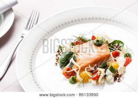 salmon with vegetables
