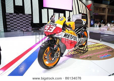 BANGKOK - MARCH 25: Honda RC 213 V motorcycle on display at The 36 th Bangkok International Motor Sh