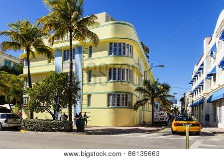 Ocean Drive And Art Deco Buildings