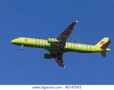 Passenger Aircraft Airbus A321