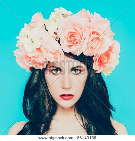 Sensual Brunette Lady With Floral Wreath On Her Head. Roses, Spring, Romance