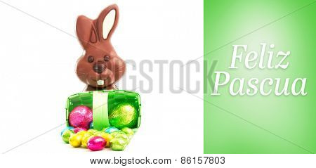 Feliz pascua against green vignette
