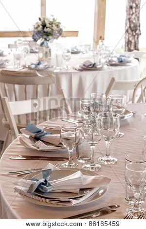 Elegant Wedding Table Arrangements