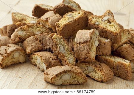 Fresh baked cantuccini biscuits