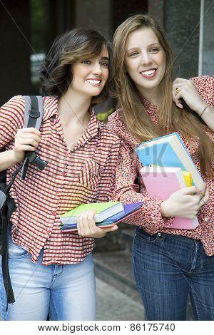 Gorgeus girls going to university