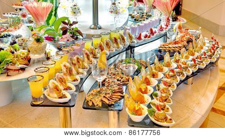 food buffet in restaurant