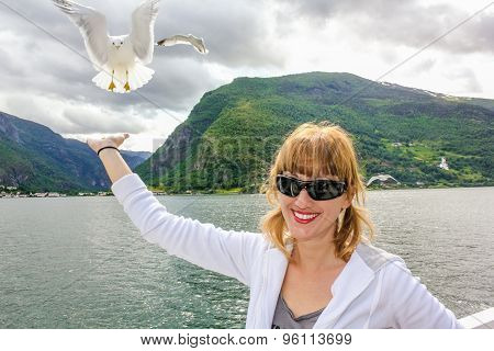Woman whith seagull