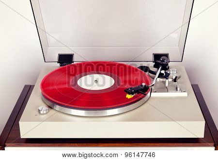 Analog Stereo Turntable Vinyl Record Player with Red Disk