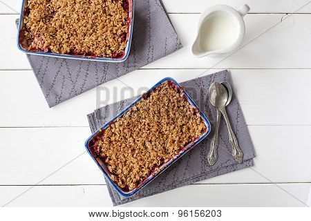 homemade strawberry crumble (healthy breakfast)