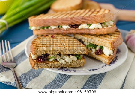 Sandwich With Blue Cheese And Cranberries