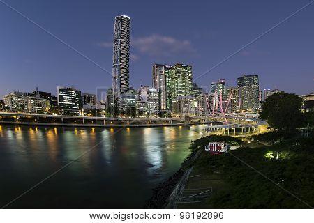 Brisbane Cityscape and Kurilpa bridge at twilight