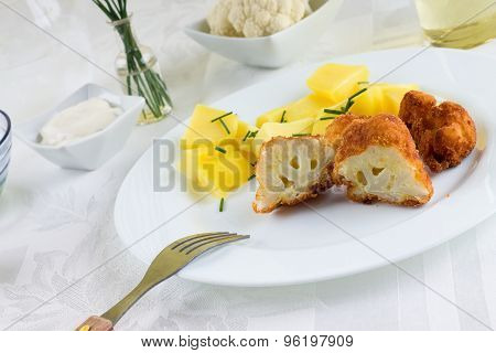 Breaded Cauliflower And Chive Potatoes