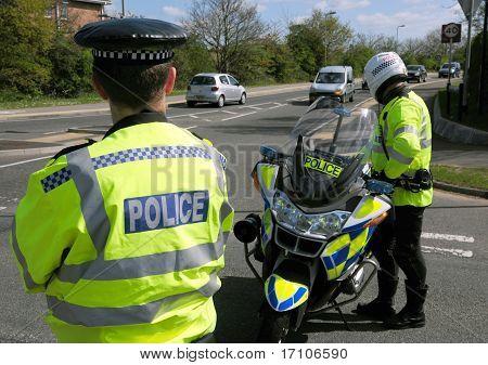 Incidente de polícia. Estrada fechada.