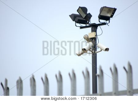 Cctv Security Cameras & Fence