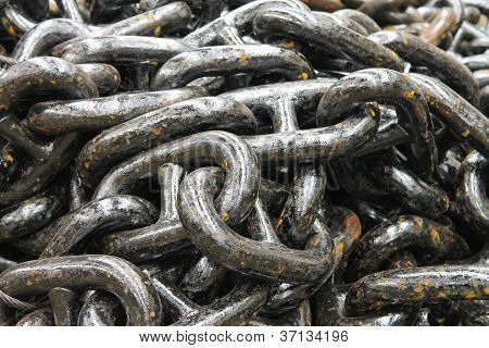 The New Black Anchor Chain In Stock Shipyard
