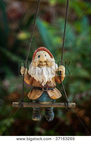 Swinging dwarf