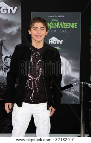 LOS ANGELES - SEP 24:  Ryan Ochoa arrives at the