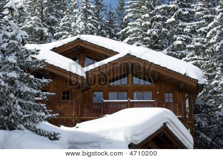 Luxurious Chalet Detail 2