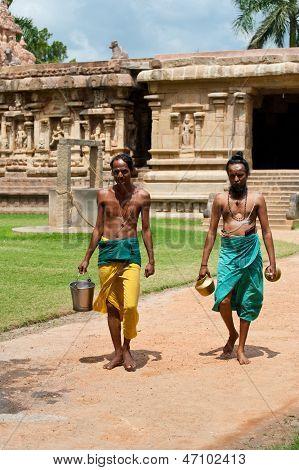 Hindu Brahmins With Religios Attributes