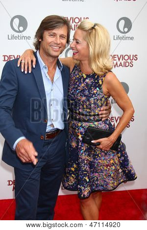 LOS ANGELES - JUN 17:  Grant Shaw, Katherine LaNasa arrives at the