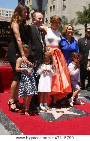 LOS ANGELES -JUN 20: David Lopez, Emme Anthony, Jennifer Lopez Lupe Lopez, Max Anthony no azevinho