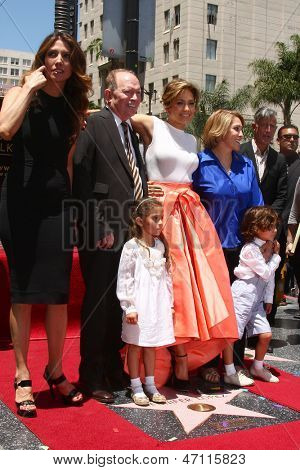 LOS ANGELES - 20 de JUN: David Lopez, Emme Anthony, Jennifer Lopez, Lupe Lopez, Max Anthony de Hol