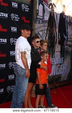 LOS ANGELES - JUN 22:  Adrian Pasdar, Natalie Maines, children arrives at the World Premiere of
