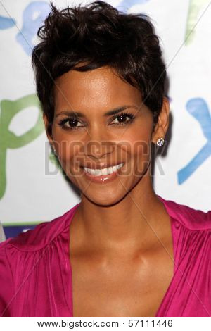 Halle Berry at the Silver Rose Awards Gala, Beverly Hills Hotel, Beverly Hills, CA. 04-17-11