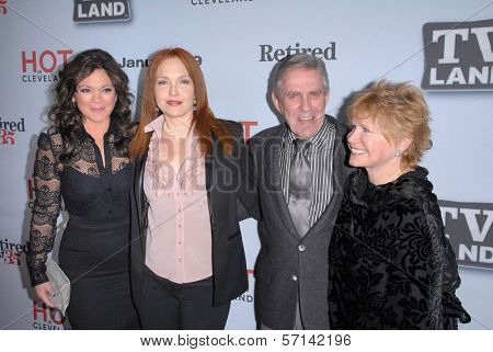Valerie Bertinelli, Amy Yasbeck, Pat Harrington Jr., Bonnie Franklin  at the