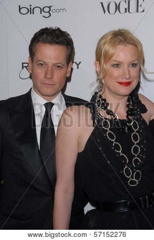 Ioan Gruffudd and Alice Evans  at the 2011 Art Of Elysium