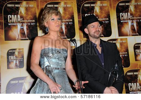 Sugerland at the 44th Annual CMA Awards, Bridgestone Arena, Nashville, TN.  11-10-10