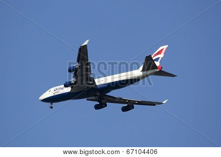 British Airways Boeing 747 in New York sky before landing at JFK Airport