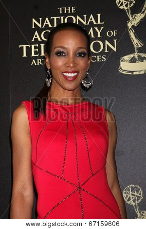 LOS ANGELES - JUN 22:  Shaun Robinson at the 2014 Daytime Emmy Awards Arrivals at the Beverly Hilton Hotel on June 22, 2014 in Beverly Hills, CA