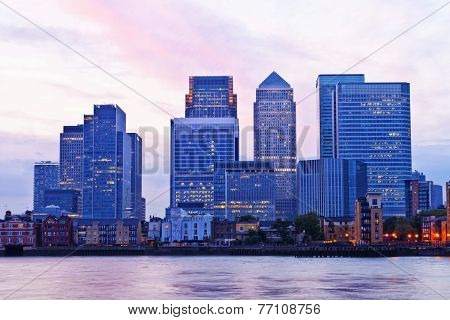 London Canary Wharf cityscape at dusk