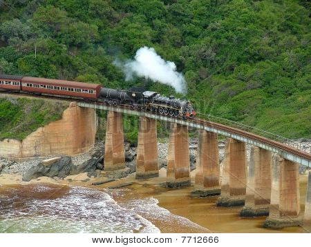 Choe_choe_on_bridge