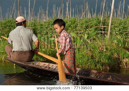 Life In Inle Lake,Myanmar.