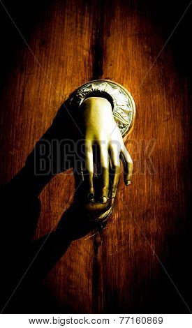 Misterious Knocker