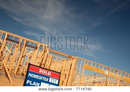 Vendeu muito sinal no local de construção de casa nova