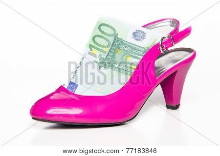 Feminine Pink High-heeled Shoe And 100 Euro