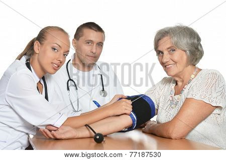 woman visiting doctors