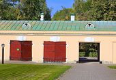 picture of manor  - Building in the courtyard of stables of the nineteenth century Russian manor - JPG