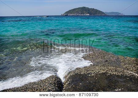 Easy Surf Washes Coastal Stones