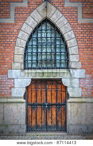 Wooden Arch Doors