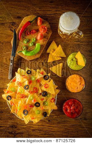 Nachos With Dip And Beer