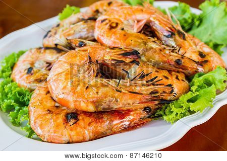 Grilled Shrimp In A Plate .
