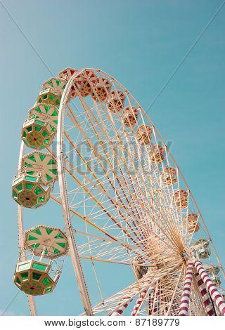 ferris wheel blue sky