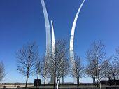 pic of memorial  - ARLINGTON - JPG