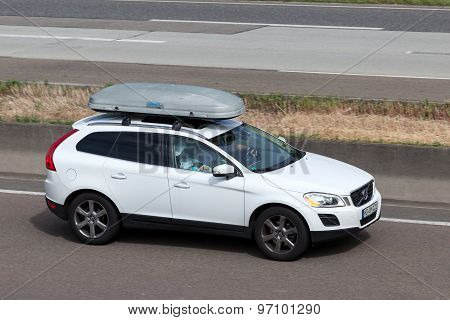 Volvo Xc60 With A Roof Box