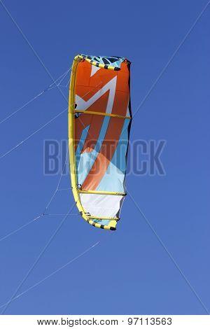 Kitesurfing Or Windsurfing