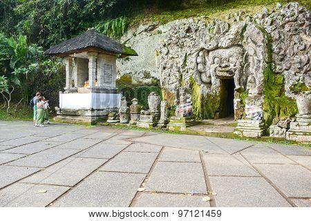 Goa Gajah Cave (elephant Cave), Bali